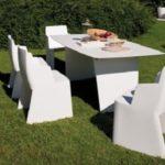 Vrtni stolovi i namještaj za okućnicu